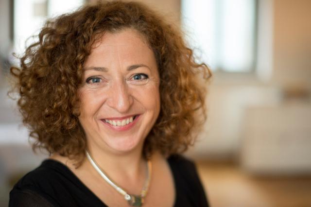 Dr. Martina Schott